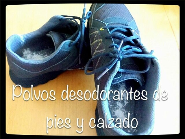 zapatillas de deporte con polvos desodorantes