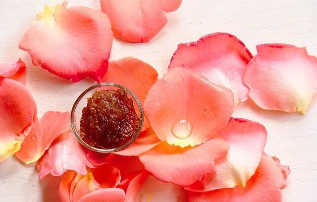 mermelada de rosas y petalos de rosas