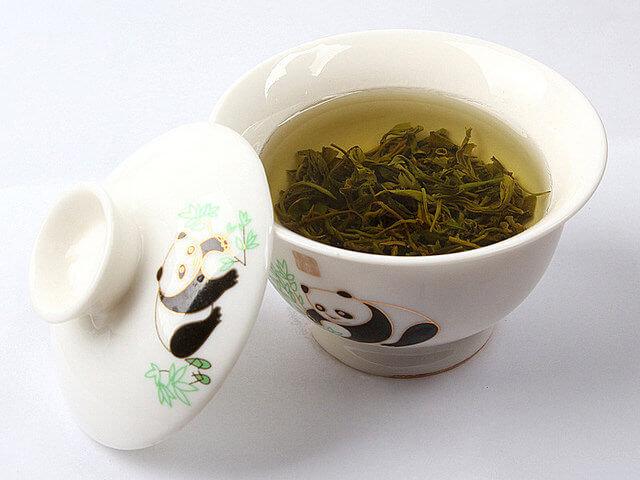 taza de oso panda con te verde