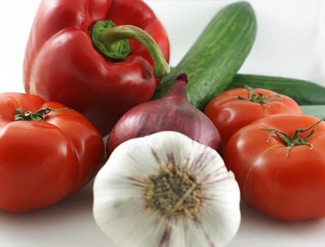 tomates ajo pimiento y calabacin