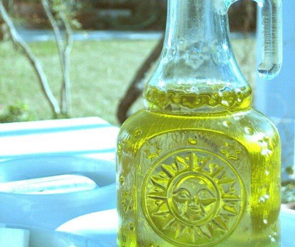 botella con aceite de oliva