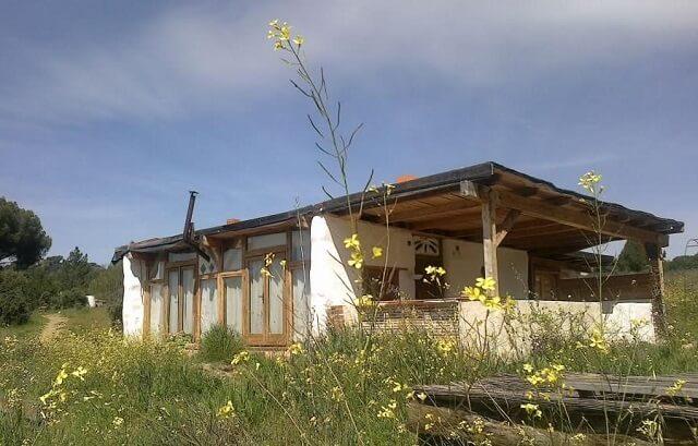 Taller karuna, casas de paja y bioconstrucción